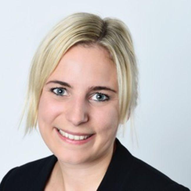 Rachel Cavargna-Deblue